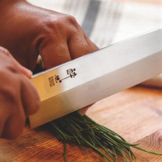 Chefs and Their Knives