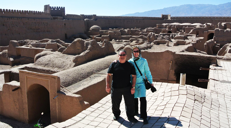 TRAVELIFE CANADA – An American In Persia