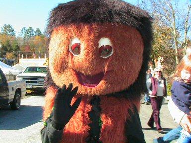 CAROLINA MOUNTAIN LIFE – Woolly Worm is King Prognosticator